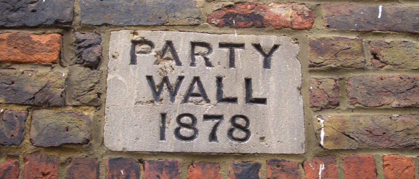 Party wall neighbourly matters point 2 surveyors for Who pays for surveyor in party wall dispute